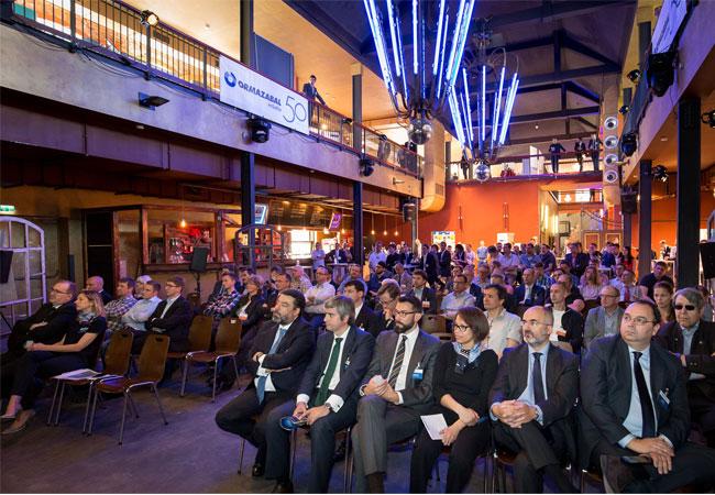 Ca. 170 Gäste nahmen an dem jährlichen Event teil. In der Fachausstellung präsent ierten 14 Partnerunternehmen von Ormazabal zukunftsweisende Produkte. Foto: Ormazabal