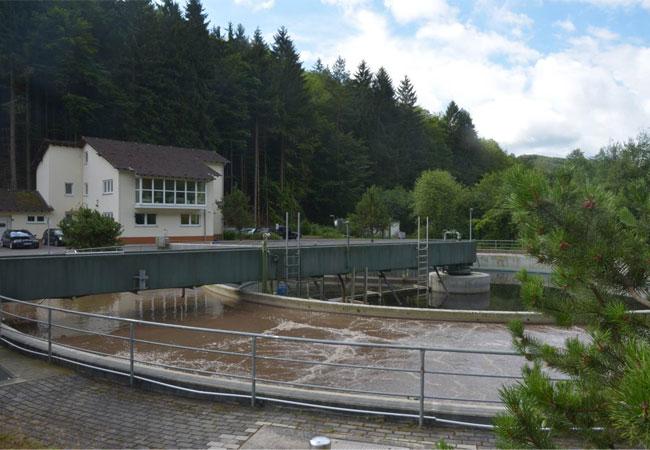 Pressebild: Verfahrens zur Freisetzung von Phosphor aus Klärschlamm in zwei kommunalen Kläranlagen
