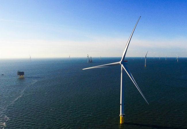 Pressebild: Stahl von Dillinger für Offshore-Windpark Burbo Bank Extension / © DONG Energy