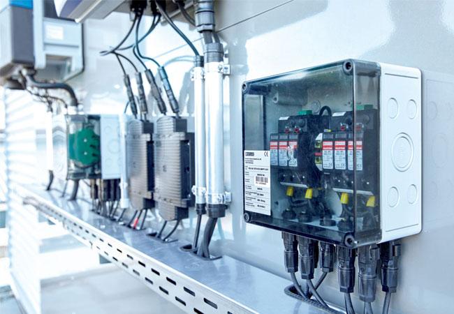Pressebild: hoenix Contact bietet eine neue leistungsstarke und kostengünstige Generation von Photovoltaik (PV)-Sets an