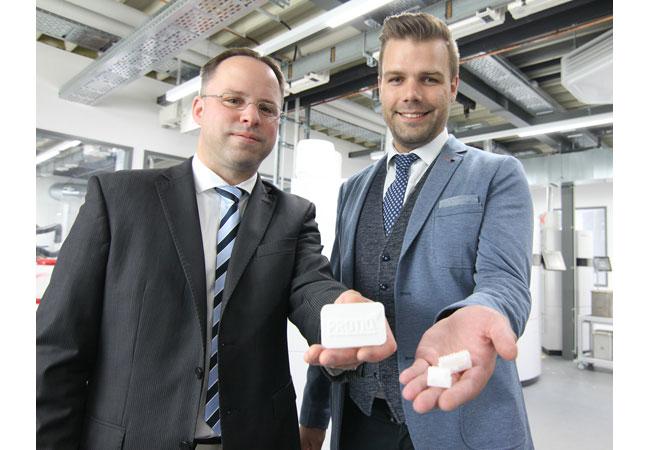 Pressebile: Unternehmensinformation zur Kooperation der Phoenix Contact Tochtergesellschaft Protiq und der Steinbach AG für die Bündelung der Kompetenzen beim 3D-Druck mit technischer Keramik.
