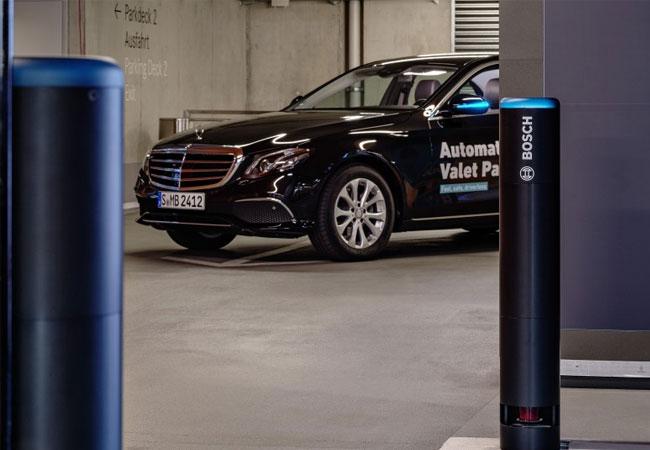 Weltweit erste Betriebsgenehmigung für fahrerloses Parken / Pressebild