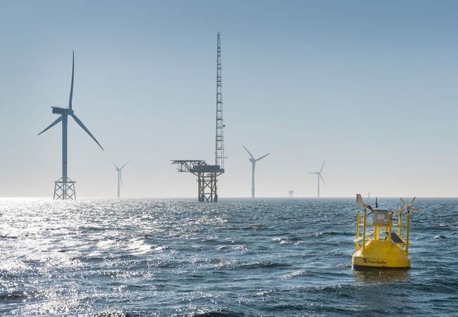 Die LiDAR-Boje vermisst den Wind so zuverlässig wie ein feststehender Messmast / Pressebild: Caspar Sessler