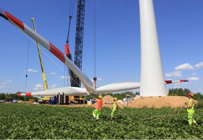 Pressebild: indeland Windpark Eschweiler: Installation Rotorstern 1