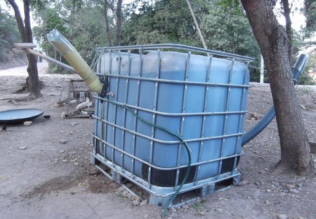 Gärbehälter einer installierten Kleinstbiogasanlage in Kolumbien, um eine Finca mit Biogas zum Kochen zu versorgen / ©Freddy Burghardt / © 2017 DBI - Gas- und Umwelttechnik GmbH