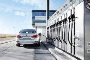 Aus CO2 und H2 gewinnt man anschließend den synthetischen Kraftstoff – also Benzin, Diesel, Gas oder auch Kerosin / Pressebild: Bosch