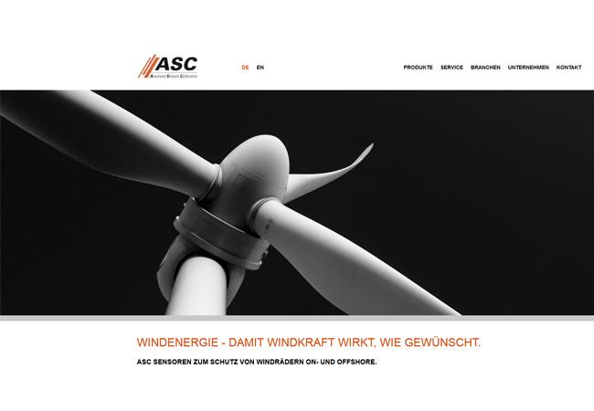 """ASC Sensoren zum Schutz von Windrädern on- und offshore. ASC Sensoren dienen zur Stabilitätsüberwachung und Schadensvermeidung bei Windkraftanlagen. Durch sie werden äußere Einflüsse auf Windkraftanlagen erfasst – z. B. heftige Böen, die zu starken Bewegungen der Gondel und damit des Mastes führen können. Beim """"Schwingungsmonitoring"""" werden Aufschwingen und Vibrationen von Getriebe, Generator und Rotorblättern permanent gemessen, um die Anlage bei definierten Grenzwerten automatisch anhalten zu lassen."""