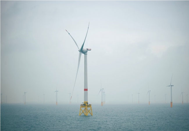 Installation-Haliade150-offshorewind-turbine