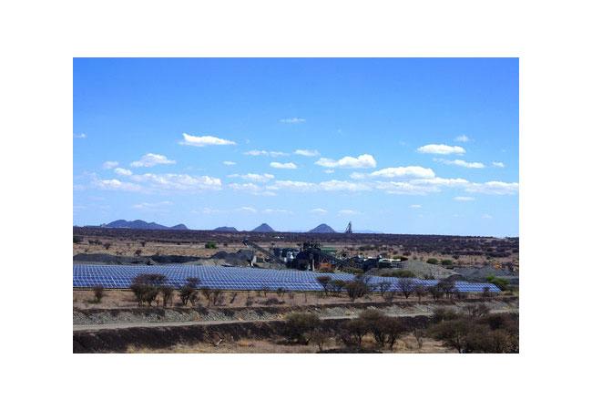 PV-Diesel-Hybrid-Anlage im südlichen Afrika - Veröffentlichung mit Angabe der Bildrechte: CRONIMET Mining Power Solutions GmbH