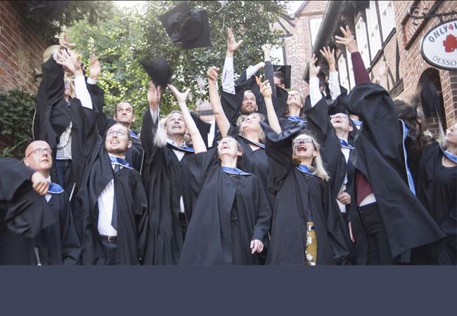 Die Welt verbessern und Geld verdienen: Der MBA-Studiengang Sustainability Management verbindet Nachhaltigkeit und wirtschaftliches Handeln. Jetzt startet die Bewerbungsphase.
