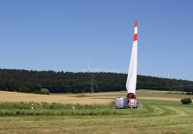 Anlieferung Rotorblatt Selbstfahrer / Pressebild: ABO Wind