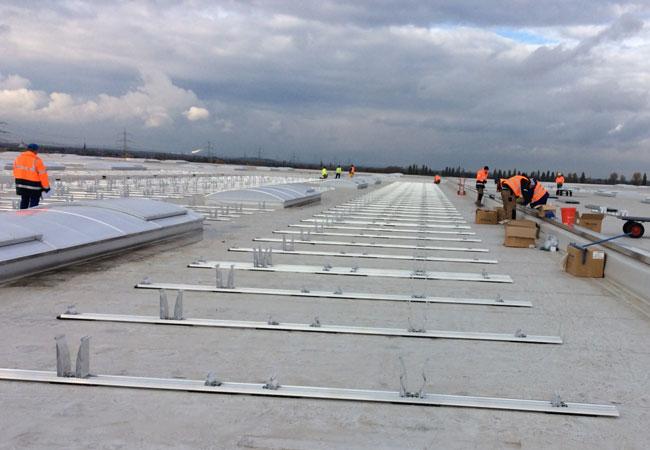 EnergieGenossenschaft realisiert Europas größte Dach-Photovoltaikanlage in 2016 / Pressebild