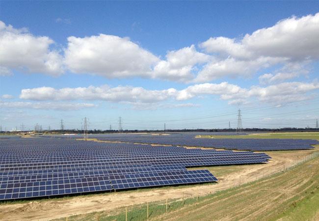BayWa r.e. unterzeichnet Stromabnahmeverträge für fünf Solarparks in Großbritannien / Pressebild