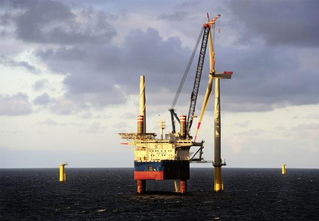 Aufbau des Offshore-Windparks Borkum Riffgrund I / Pressebild: Dong Energy