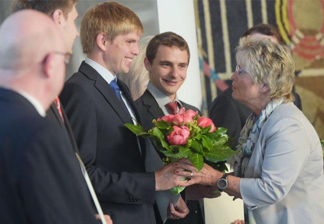 Pressebild: Annegret Ihbe, Bürgermeisterin der Stadt Braunschweig, gratulierte ebenfalls allen Studienpreisgewinnern.