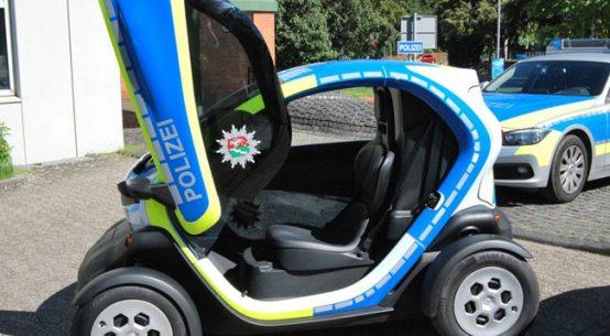 Der Elektro-Twizy im Test bei der Polizei / Pressebild