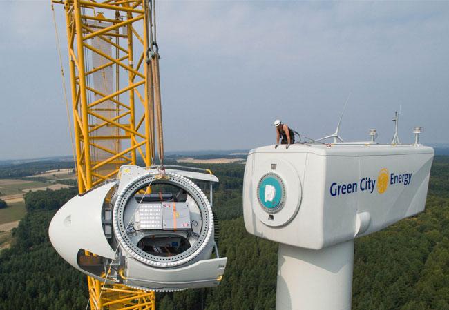 Errichtung von Windenergieanlagen (Quelle: Green City Energy AG)