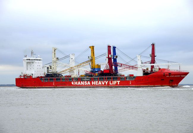 HANSA HEAVY LIFT has transported five Gottwald mobile harbour cranes, weighing a total of 1,400 metric tonnes, loading them in Denmark and Belgium and delivering them to Bulgaria and Egypt. / Photo: HHL