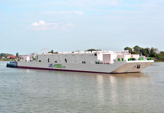 Bild der LNG Hybrid Barge für AIDA Im Schubverband, Überführung nach Hamburg