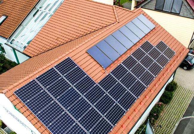 Strom aus Solar Schreinerei / © 2016 iKratos Solar und Energietechnik GmbH