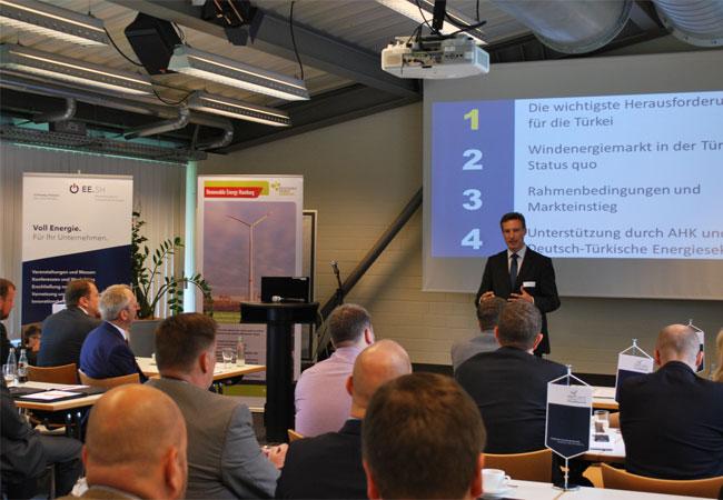 35 Teilnehmer waren der Einladung in das Innovationszentrum IZET in Itzehoe gefolgt / Pressebild