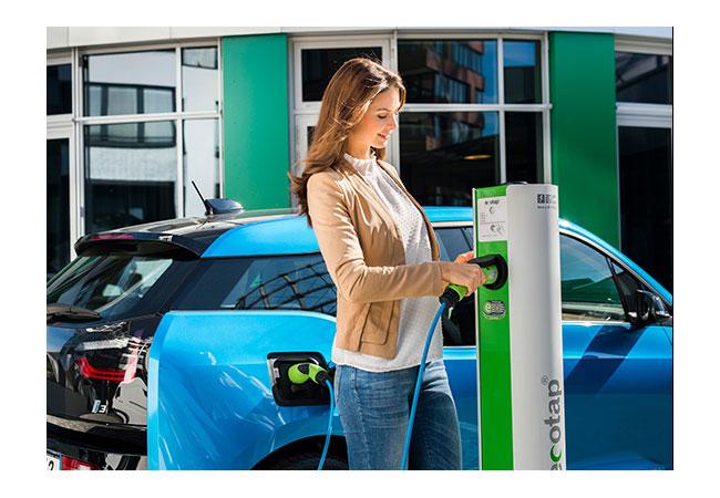 Bildunterschrift: intercharge wächst mit über 240 Partnern zum weltweit größten Ladenetzwerk für Elektrofahrzeuge ©Hubject GmbH