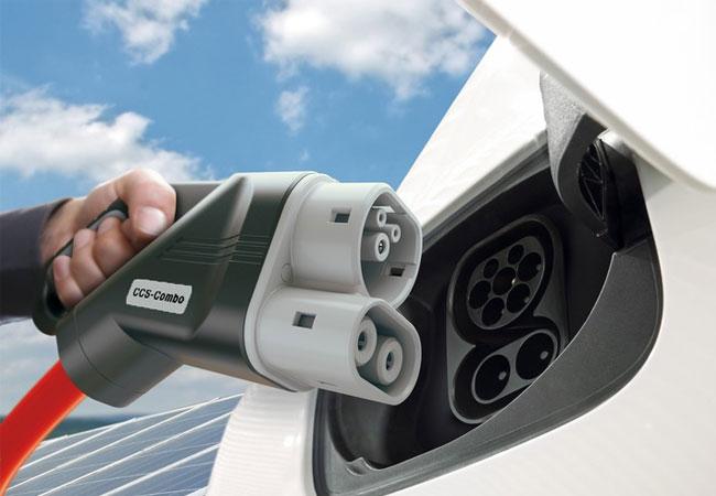 BMW Group, Daimler AG, Ford Motor Company und der Volkswagen Konzern mit Porsche und Audi planen Joint Venture für ultraschnelles Hochleistungsladenetz an wichtigen Verkehrsachsen in Europa / Weiterentwicklung des CCS Ladestandards für Elektrofahrzeuge auf bis zu 350kW / Pressebild