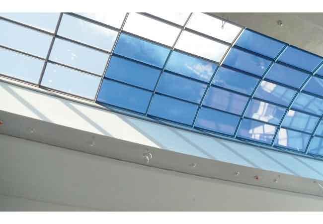 Dimmbare Scheiben ersetzen Jalousien – Nanotechnologie macht´s möglich Quelle: Rittergut Störmede / EControl-Glas GmbH & Co KG / Pressebild