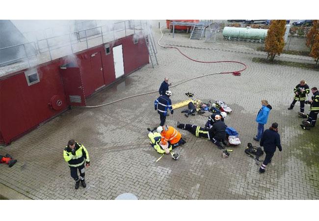 Übersicht des Szenarios: verletzte Kollegen, medizinische Versorgung, Brandabwehr, Organisation der Rettung / Pressebild