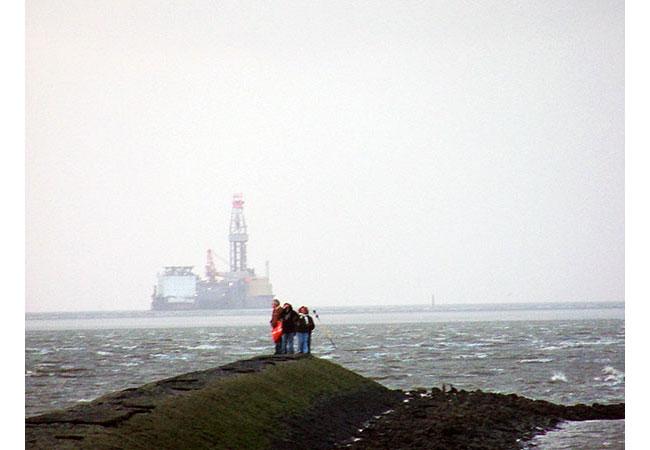 Die umstrittene Erdölplattform im Naturerbe Wattenmeer / Foto: HB