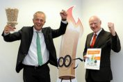 """Foto: Klaus Voit NRW-Klimaschutzminister Johannes Remmel und EnergieAgentur.NRW Geschäftsführer Dr. Frank-Michael Baumann gaben am 25.10.2016 den Startschuss für die Kampagne """"Jetzt auf Sieger setzen""""."""