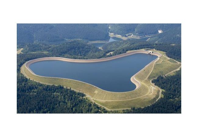 Deutschlands größtes Wasserkraftwerk bekommt einen Sonnenschutz / Pressebild: Vattenfall