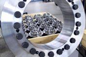 Mit neuen Schrumpfscheiben für die Außenspannung von großen Hohlwellen reagiert RINGSPANN auf die wachsenden Anforderungen der Anlagenbauer in Windkraft- und Montantechnik. / Pressebild