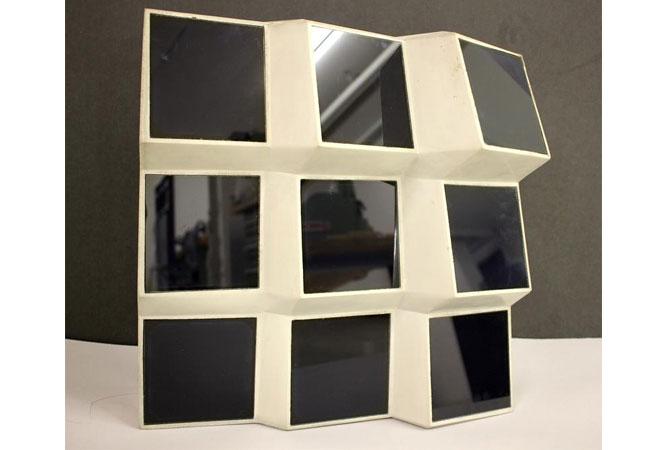 Eine Fassade in Facetten-Optik macht einen deutlich höheren Stromertrag möglich. Dafür sind kleine und flexible Solarmodule gefragt. / Pressebild: Fraunhofer-Center für Silizium-Photovoltaik CSP