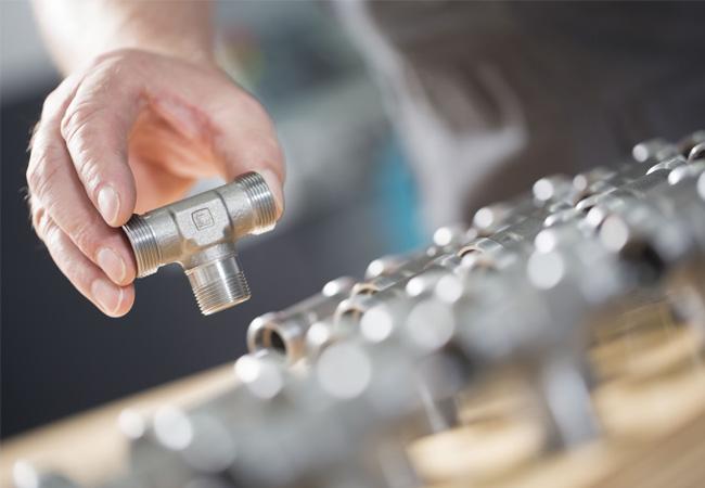 Seit über einem Jahr erfolgreich im Einsatz: das DIN-Rohrverschraubungsprogramm Stauff Connect