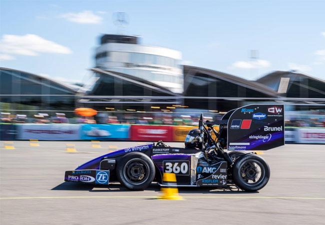 Pressebild: CPU 24/7 ist neuer Hauptsponsor des Formula Student Teams Weingarten