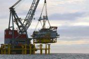 Die Umspannplattform für den Offshore-Windpark Wikinger ist auf ihrer künftigen Position in der Ostsee angekommen