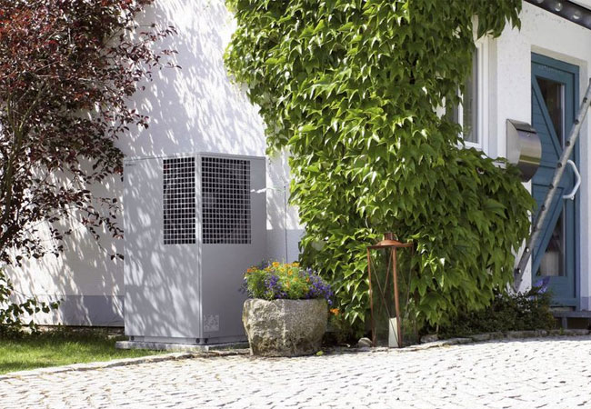 Umweltfreundlich: Heizen mit einer Luftwärmepumpe. / Pressebild: Bundesverband WärmePumpe (BWP) e. V.