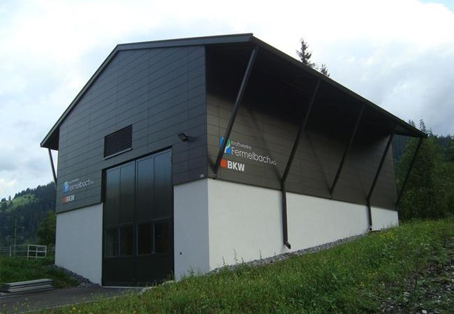 Pressebild: Die BKW hat das Wasserkraftwerk Fermelbach in St. Stephan eingeweiht