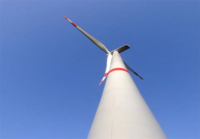 Klar ist nach Einschätzung von Experten, dass Windenergieanlagen solche Stationen stören können, weil die Schwingungen der Bauwerke über die Fundamente in den Boden eingeleitet werden. / Foto: HB