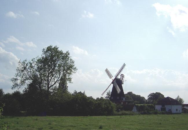 In der Vergangenheit wurden Windmühlen zahlreich von Van Gogh, Brueghel & Co. ästhetisch eingefangen. / Foto: HB