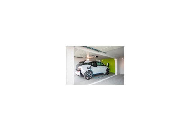 Pressebild: Die E-Garage von ZAPF mit Stromtankstelle